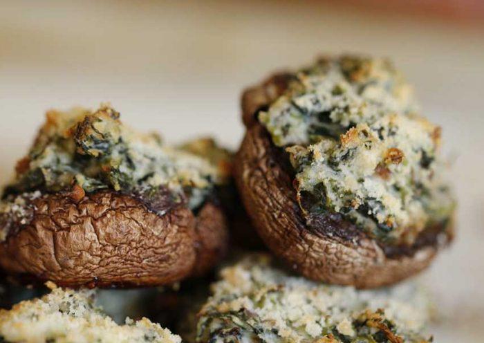 Les champignons farcis aux épinards